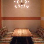 パブリック ハウス - 静かなお席もございます