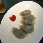 チャイニーズテーブル 由 - 餃子
