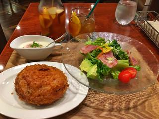 天馬 自由が丘店 - カレーパン&ごちそうサラダセット
