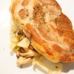 Hula - 豚肩肉のコンフィと クミンの香り