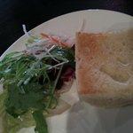 5806688 - サラダとパン