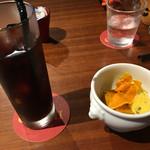 QUCHI - ドリンクのアイスコーヒーとデザートサービス