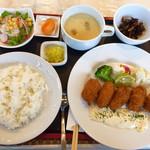 洋食厨房 吉 - カキフライランチ  一つ一つが丁寧   これで税込810円(^○^)