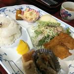 パラドックス - 料理写真:やわらかチキン揚げ(700円)
