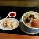 食堂 まつや支店 - もやし中華と餃子3個セット