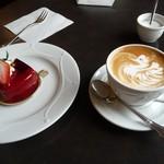 カフェドゥラプレス - ケーキと カフェ クレーム