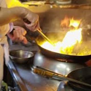 5か国で修行を積んだ本場のシェフが作る本格料理!!