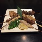 鶏の串焼き2本