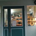 エリゾー - お店の入り口