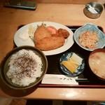 焼き鳥 山里 - ミックスフライ定食500円