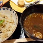 こころぎ - 松茸入り木の子御飯、香の物、赤出汁