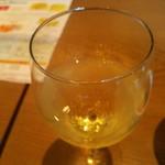 湘南ビストロ サルパラダイス - グラススパークリングワイン 辛口