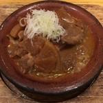 稲田屋 - 牛味噌煮込み(アップ)