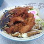 ラーメン豚富士 - 量がすごくて麺が見えません