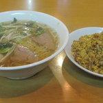 福福 - カレー炒飯叉焼麺(小)