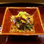 赤坂 菊乃井 - 酢物: 焼き木の子と水菜のサラダ