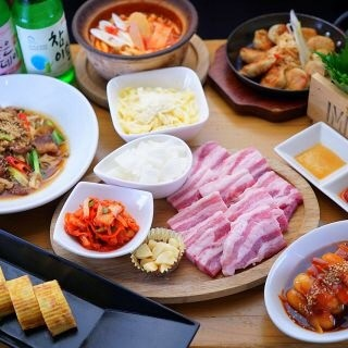定番の韓国料理から創作料理をお楽しみください。