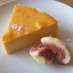 58105854 - オレンジ芋のチーズケーキ