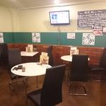 オリーブカフェ - 店内 昭和の喫茶店って雰囲気
