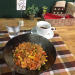 Cafeるくら - 【ワンコインメニュー】昔ながらのナポリタン500円