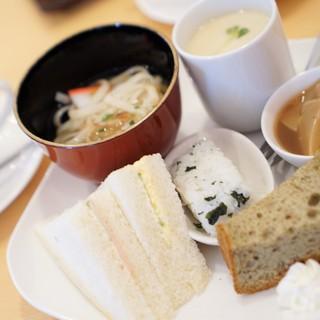 cafe 日和 - 料理写真:サンドイッチモーニング コーヒー代のみ400円