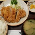 かつ村 - ロースカツ定食(1050円)