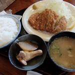めんこいな - トンカツ定食 ご飯大盛り670円(税込)
