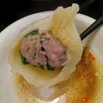 中国家庭料理 楊 - (2016/9月)「水餃子」の断面