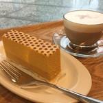 エクセルシオール カフェ - 二層のパンプキンケーキ