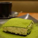 丸の内 CAFE 会 - 宇治抹茶ティラミス (¥620)、ケーキセット (+¥350)