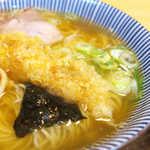 大盛庵 - 古き良き醤油味のスープが、天ぷらの油でまろやかに!