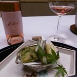 欽山 - 料理写真:揚げ物、ボトルワイン