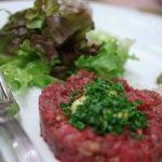 フランス料理店 牛肉食堂 COWBELL - 韃靼風(だつたんふう)牛(うし)たゝき