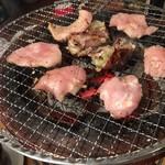 ホルモン本舗 昭和館 -