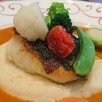アンフルール - en Fleurs @西葛西 本日のお魚 マッシュポテトの上に盛られるパリパリの皮の食感も愉しめる真鯛のポアレ