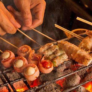 博多炭焼き串15種類以上!黒部鉄器の鉄板グリル料理も大人気♪