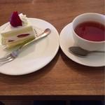 コバタルーム - 苺のショートケーキ+紅茶