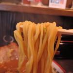 58127432 - 麺のクオリティが頭抜けて良い。平打ち中太麺ストレート、加水率は高め。