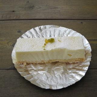 甲斐 - 料理写真:濃厚チーズケーキ