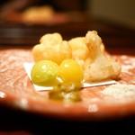 58128298 - 伊勢海老・蓮根・銀杏の天ぷら 塩と肝のソース