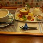 あおくまカフェ - 自家製ケーキプレート