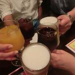 58132157 - まずは各自好きな飲み物