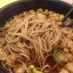 ゆで太郎 - カレー丼セットの蕎麦の麺
