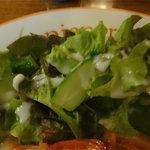 田園 - サラダを食べてバランスを取ろう。
