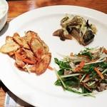 58140772 - マヒマヒとぶしゅんかんのキノコあん、ごぼうのタタキ、茶美豚と水菜のサラダ