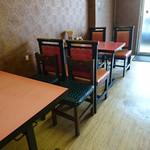 アモイ - テーブル席