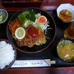 やきかつ太郎 - やきかつ(上/もも肉・880円)