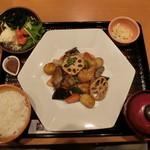 大戸屋 - 真だらと野菜の黒酢あん定食 ご飯少なめ 861円