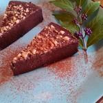 やさい食堂 堀江座 - 玄米粉のお豆腐ショコラケーキ