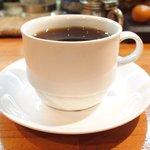 58150253 - ケーキセット 750円 のブレンドコーヒー